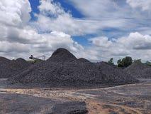Betuminoso secundário - armazenagem de carvão betuminoso imagem de stock