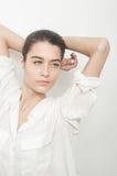 Beuatiful caucasian młoda kobieta na bielu Obrazy Stock