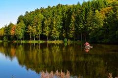 Beuerbacher See Deutschland, im Fall stockbilder
