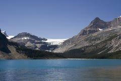 Beugen Sie See und beugen Sie Gletscher in den kanadischen Rockies Lizenzfreie Stockfotos