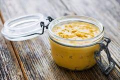 Beurre d'arachide crémeux fait maison photos libres de droits