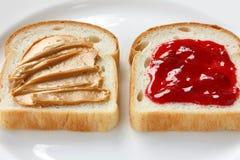 Beurre d'arachide et sandwich à gelée photos libres de droits