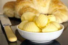 Beurre et croissants Photographie stock