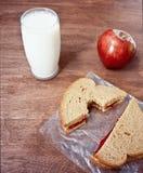 Beurre et lait d'arachide Photographie stock libre de droits