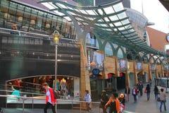 Beurstraverse utomhus- shopping - Rotterdam - Nederländerna Arkivfoto