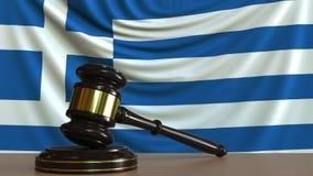 Beurteilen Sie ` s Hammer und blockieren Sie gegen die Flagge von Griechenland Begriffs-Wiedergabe 3D des griechischen Gerichtes Stock Abbildung
