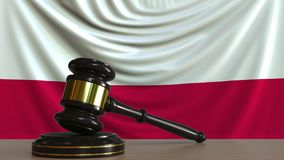 Beurteilen Sie ` s Hammer und blockieren Sie gegen die Flagge von Polen Begriffs-Wiedergabe 3D des polnischen Gerichtes Vektor Abbildung