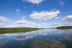 Beutifull sikt av en sjö Arkivfoto