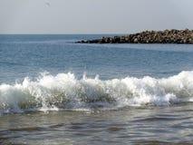 Beuty do wavesl no mar árabe Gujarat, Índia Fotografia de Stock