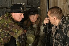 Beväpnade stridsoldater Royaltyfria Foton