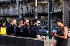 Beväpnade vakter av den järnväg polisen för SNCF-` s france paris Arkivbilder
