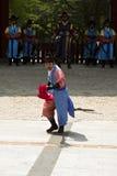 Beväpnade vakter i traditionell dräkt Royaltyfri Fotografi