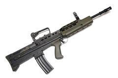 beväpnat legendariskt gevär för anfallbritish krafter l85a2 Royaltyfri Fotografi