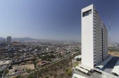 Bevölkerungs- und Gebäudewachstum in der Stadt von Queretaro lizenzfreies stockbild