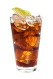 Beva con rum, isolato su fondo bianco Immagini Stock Libere da Diritti