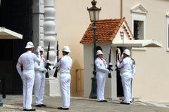 Bevaka ändrande ceremoni, slotten för prins` s, den Monaco staden Royaltyfri Foto