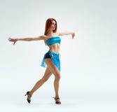 Bevallige meisjesdans Stock Afbeeldingen