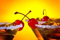 Bevanda alcolica con le ciliege Immagini Stock Libere da Diritti