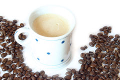 Bevanda & alimento - tazza di caffè con i fagioli Immagine Stock