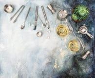 Bevanda che fa il succulente del champagne del cocktail degli ingredienti degli strumenti Fotografia Stock Libera da Diritti