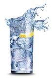 Bevanda con il primo piano del ghiaccio Fotografia Stock