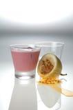 Bevanda con la menta e il maracuja Immagine Stock