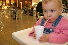 Bevanda del bambino Fotografia Stock Libera da Diritti