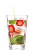 Bevanda del cocktail di estate di mojito della fragola Fotografia Stock Libera da Diritti