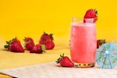 Bevanda di estate della fragola immagine stock