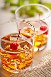 Bevanda fredda del cocktail di estate con la ciliegia Fotografie Stock