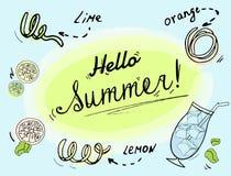 Bevanda fresca con lo schizzo del limone, della limetta e delle scorze d'arancia royalty illustrazione gratis