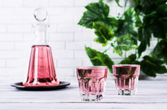 Bevanda rosa trasparente fotografie stock libere da diritti