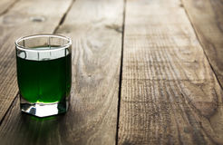 Bevanda verde del colpo dell'alcool Fotografia Stock Libera da Diritti