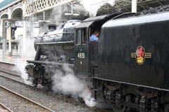 Bevarad ångalokomotiv på den Preston stationen Arkivbilder