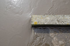 Bevattna flöde i kolsyrad etapp för gruskammarebehandling arkivfoton