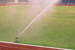 Bevattna fotbollfältet Royaltyfria Foton