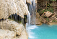 Bevattna nedgången, Kor-Luang vattennedgång i Lumphun Thailand Arkivbild