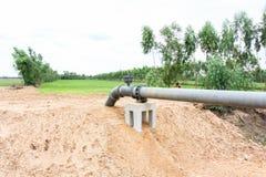 Bevattning som pumpar rörsystemet Arkivfoto