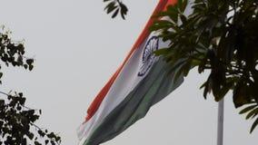 Beverig schot van het Indische Vlag fladderen stock videobeelden
