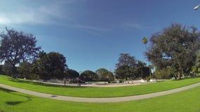 Beverly Hills Califórnia Beverly Hills assina dentro o parque vídeos de arquivo