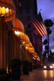 Beverly Hills på natten Arkivbild