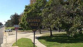 Beverly Hills Śpiewa zbiory