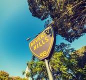 Beverly Hills znak pod niebieskim niebem Obraz Stock