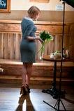 Bevindende vrouw Stock Foto's