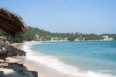 Bevolkt strand Stock Afbeeldingen