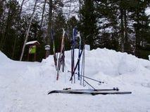 Bevor dem Ski fahren stockfoto