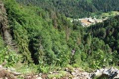 Bevorder huis en jeugdopsluitingcentrum in Slowaaks Paradijs stock foto