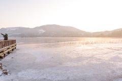 Bevroren Abant-meer in het Nationale Park van Golcuk in Bolu, Turkije royalty-vrije stock afbeeldingen