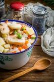 Bevroren groenten in een metaalkom Stock Fotografie