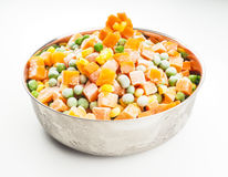 Bevroren groenten in staalkom Royalty-vrije Stock Foto